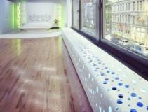 Дизайнерский подоконник с отверстиями для подсветки