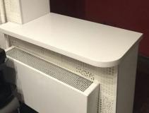 Подоконник в виде стола из искусственного камня