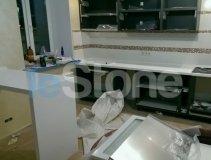 Столешница с барной стойкой из искусственного камня LG Hi-Macs